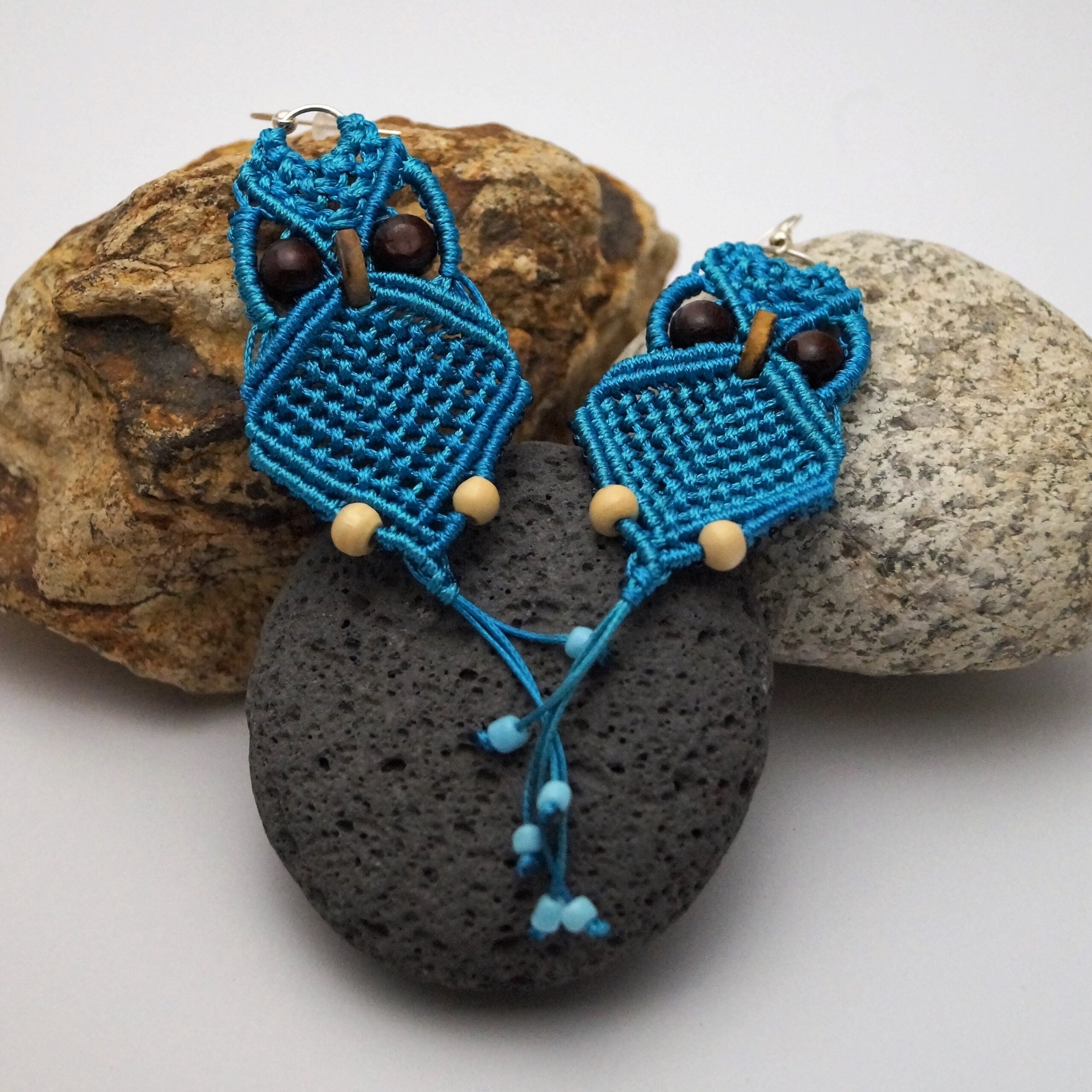 Macrame owl earring